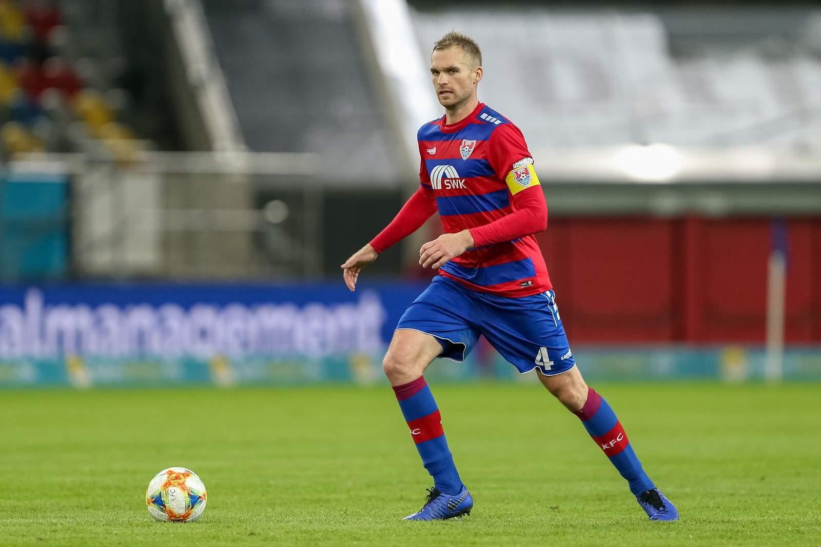 KFC-Kapitän Jan Kirchhoff im Spiel gegen Magdeburg.
