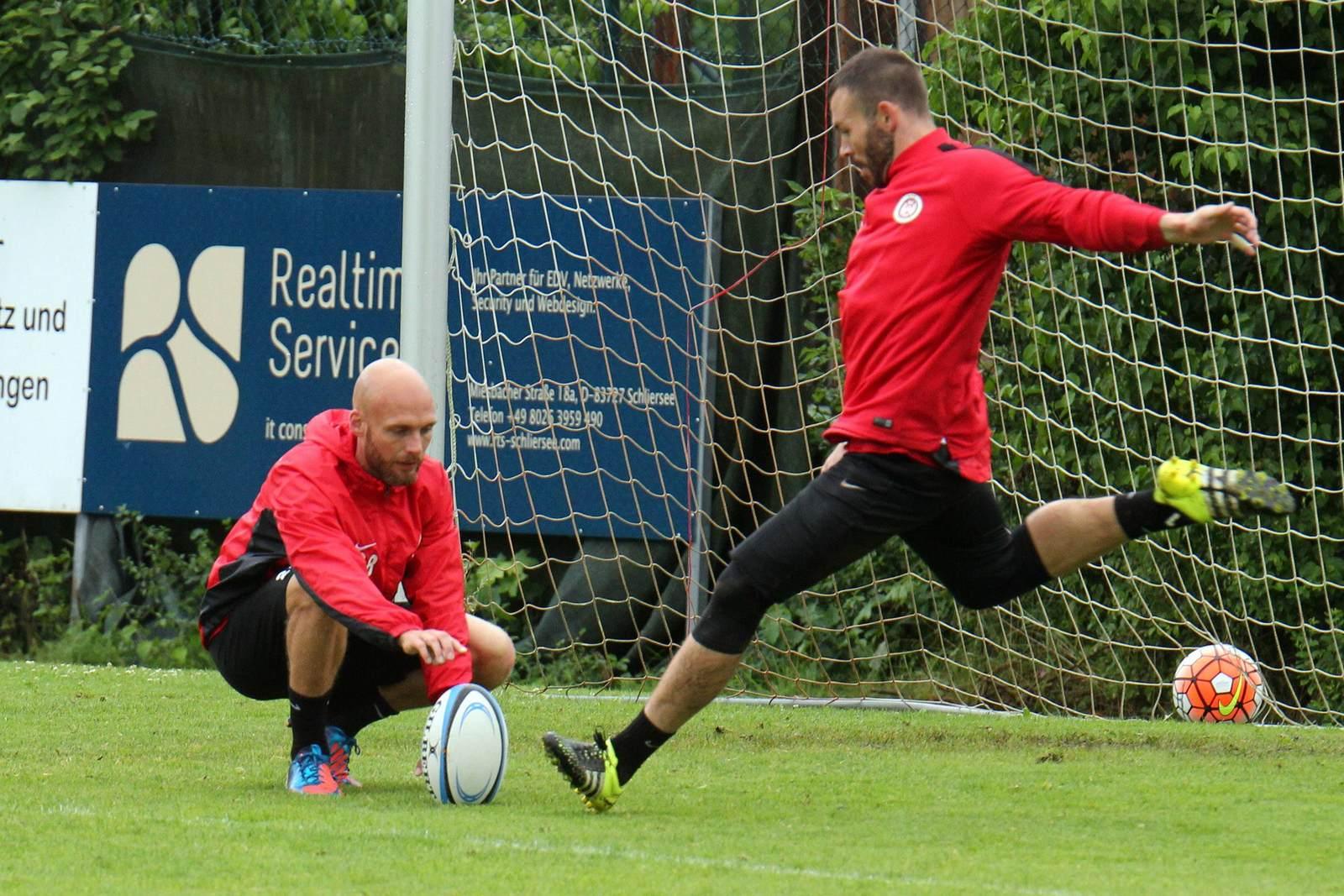Nils Ole Book und Markus Kolke im Training beim SV Wehen Wiesbaden