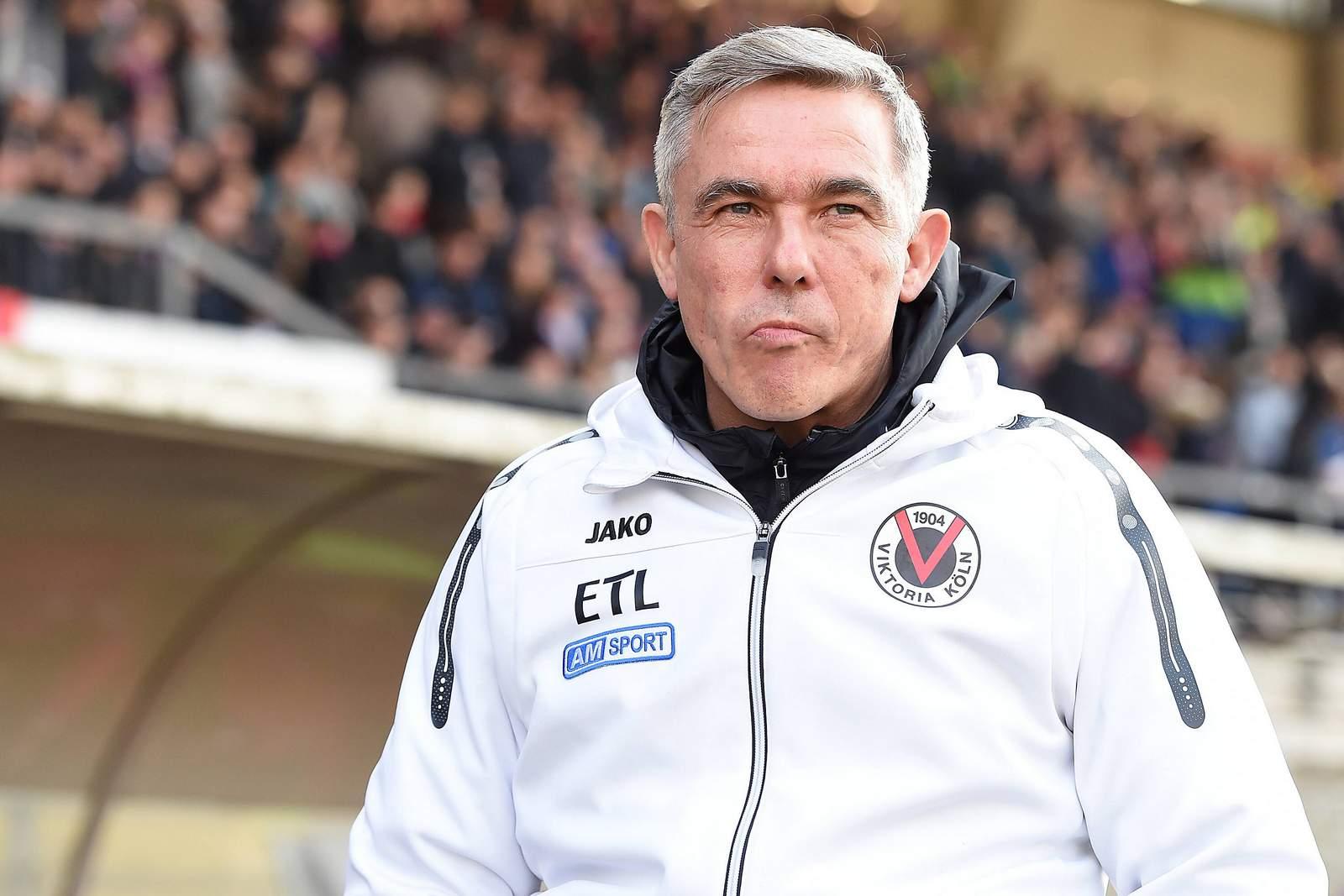 Olaf Janßen als Trainer von Viktoria Köln