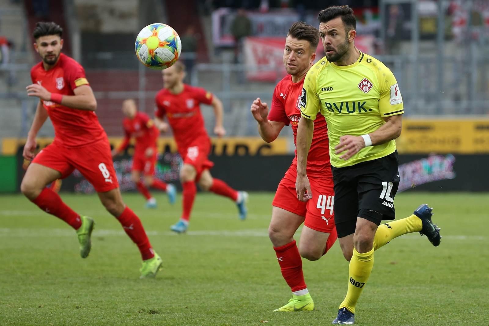 Albion Vrenezi bei den Würzburger Kickers