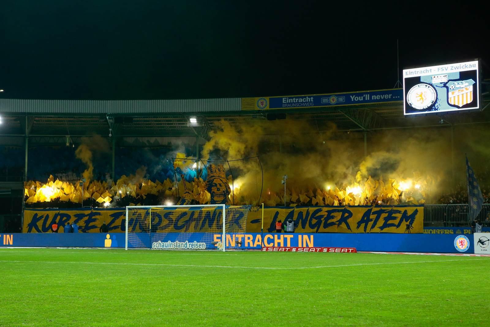 Pyro bei Eintracht Braunschweig