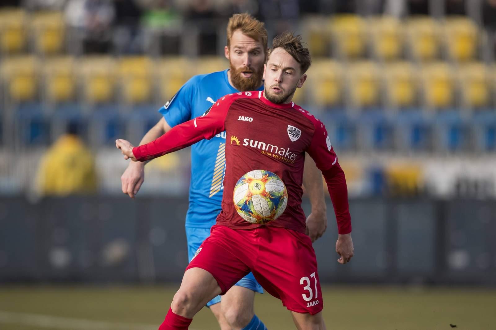Lucas Cueto (v.) gegen Jenas Nico Hammann.
