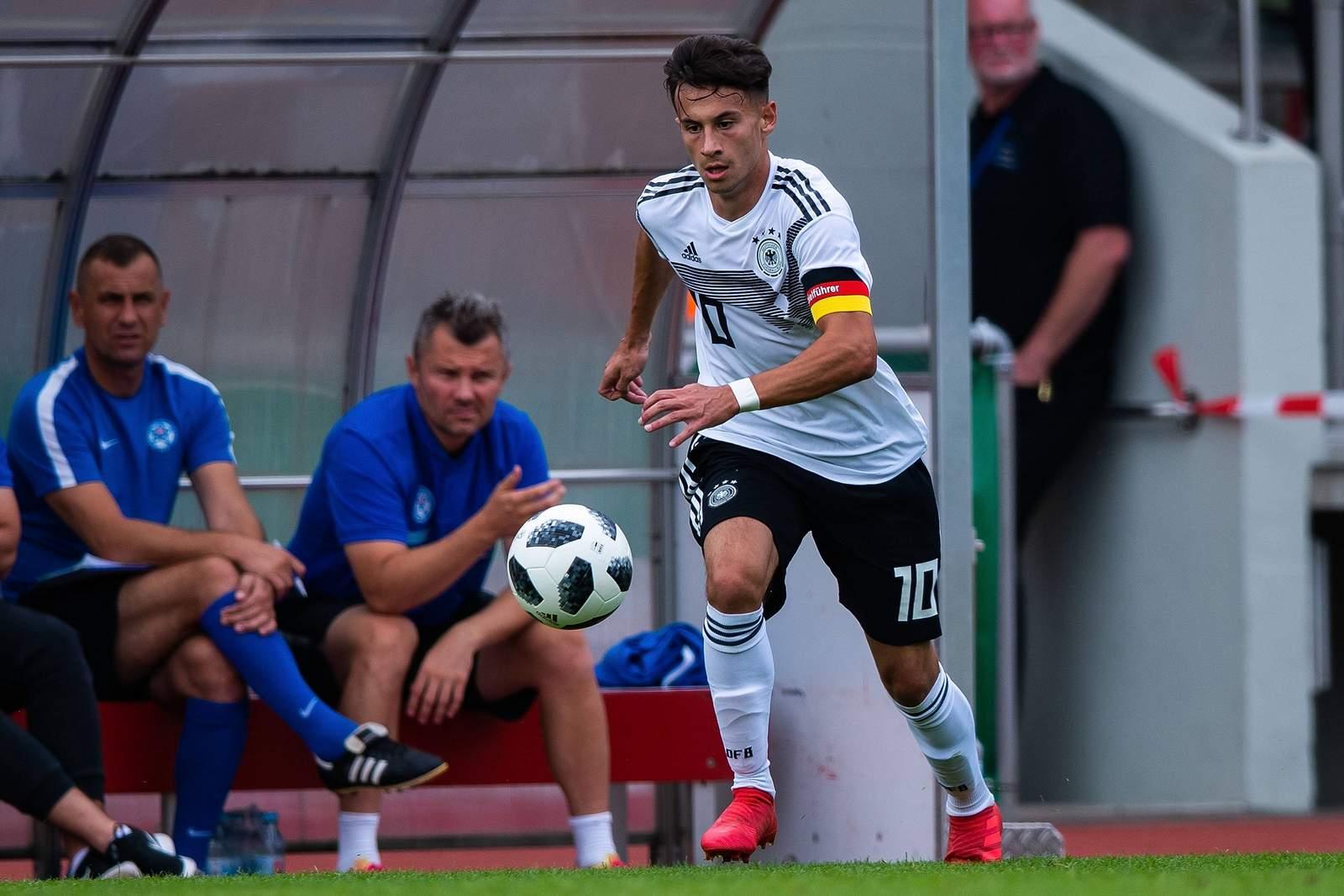 Nicolas Kühn beim Spiel der deutschen U19-Nationalmannschaft