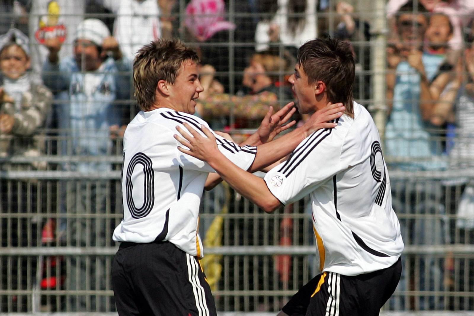 Mario Götze und Pascal Breier jubeln