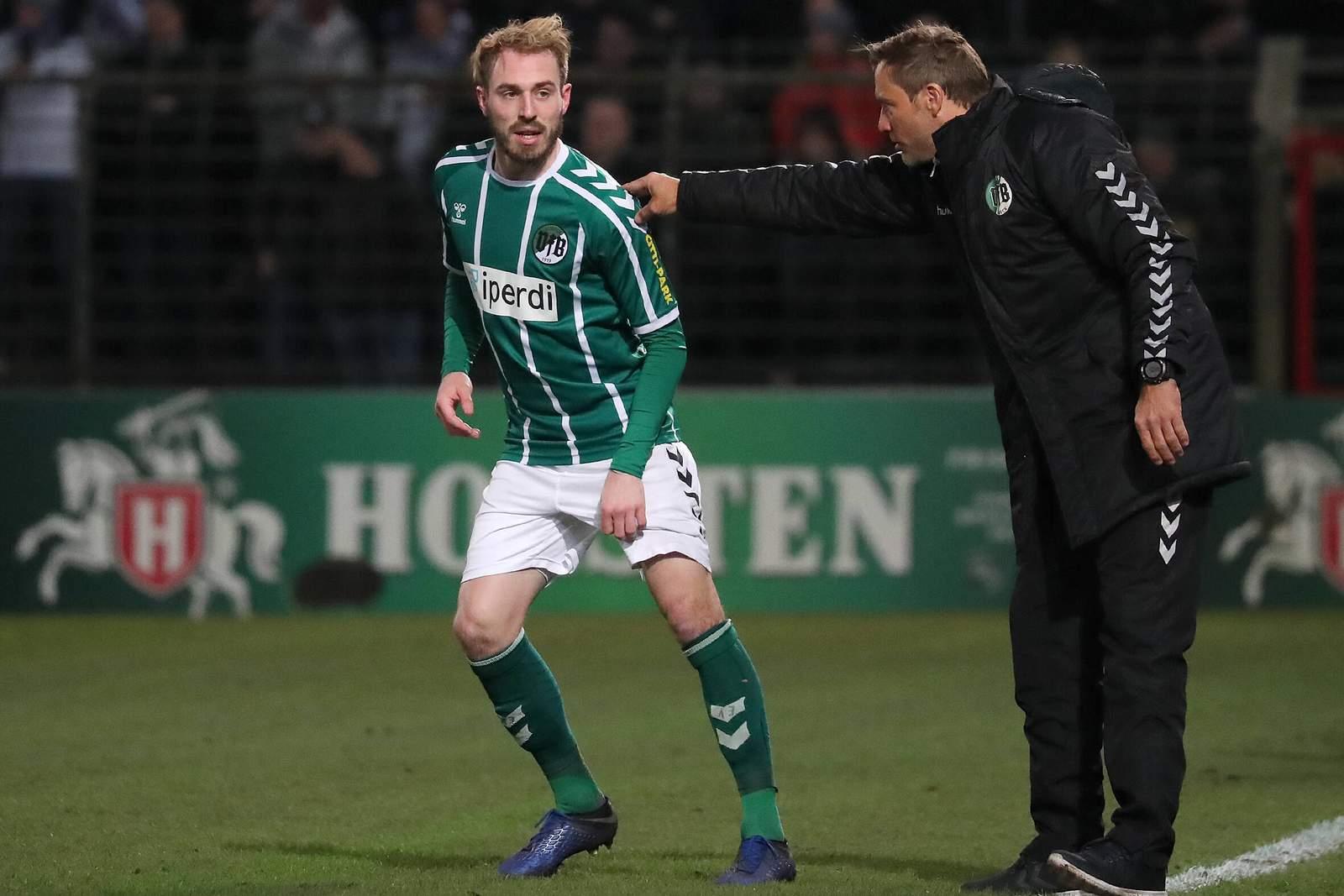 Rolf Landerl und Marvin Thiel vom VfB Lübeck