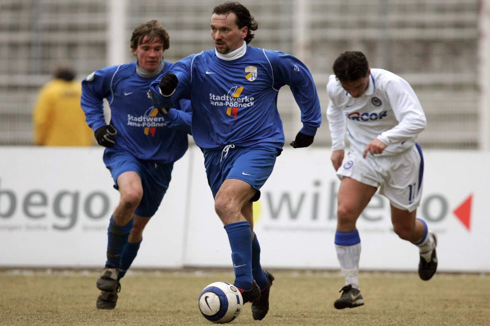 Michael Anicic (m.) im Spiel gegen Hertha II.