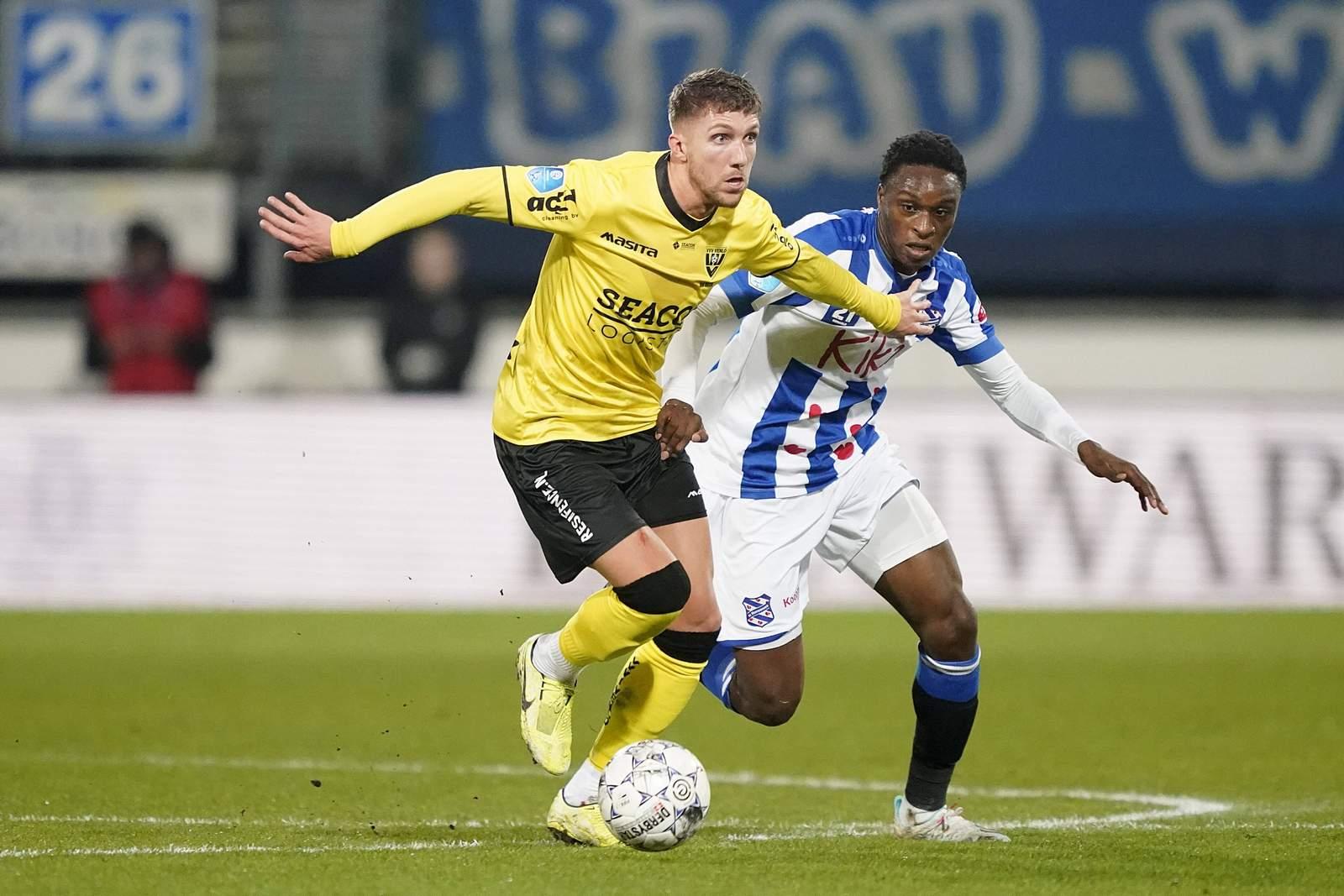 Peter van Ooijen (v.) gegen Rodney Kongolo.