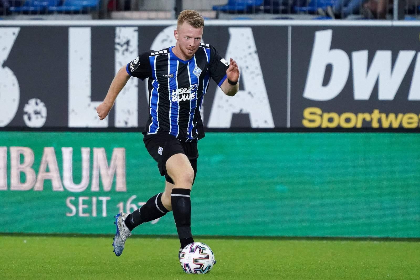 Dominik Martinovic am Ball für den SV Waldhof Mannheim