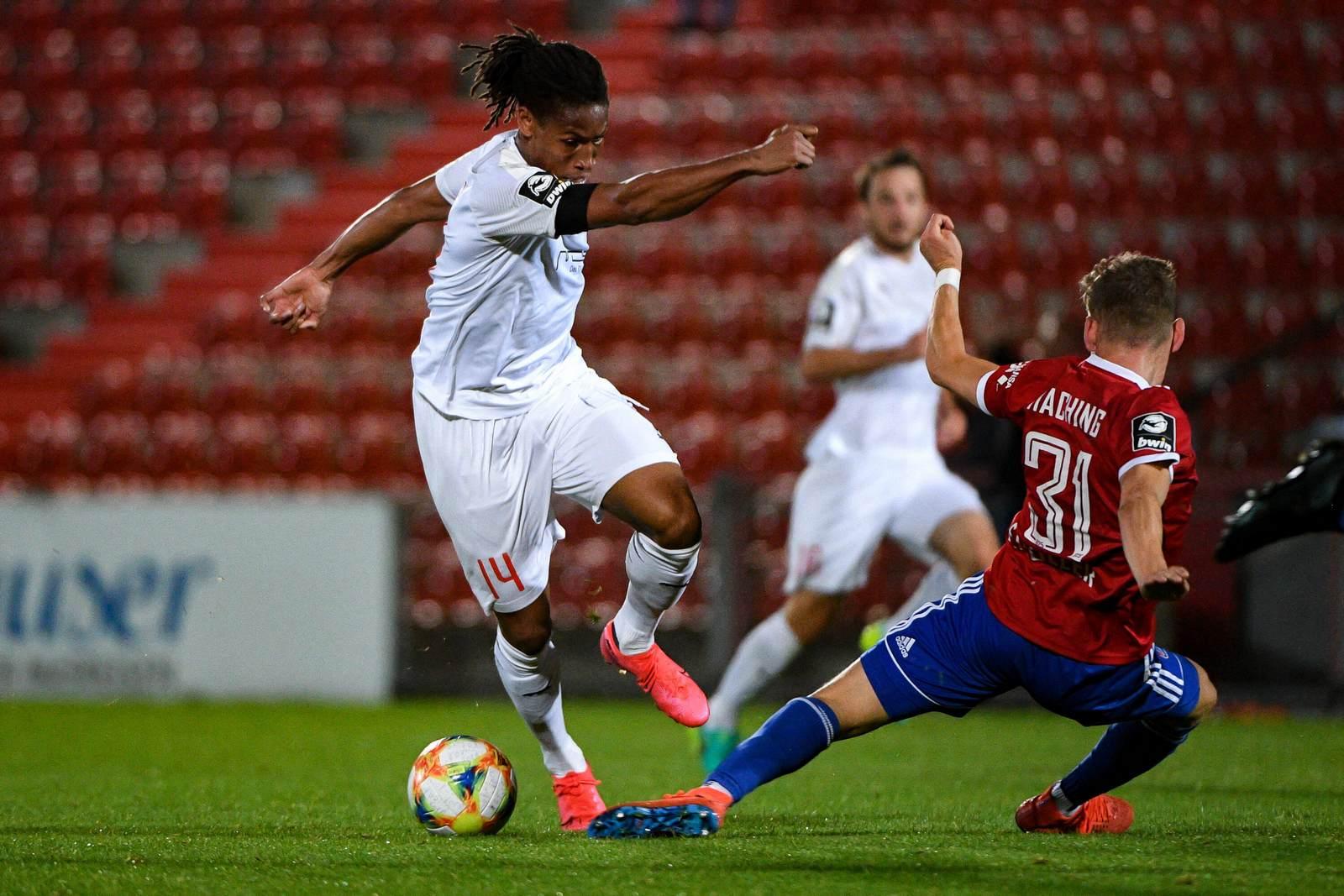Caniggia Elva gegen Felix Müller