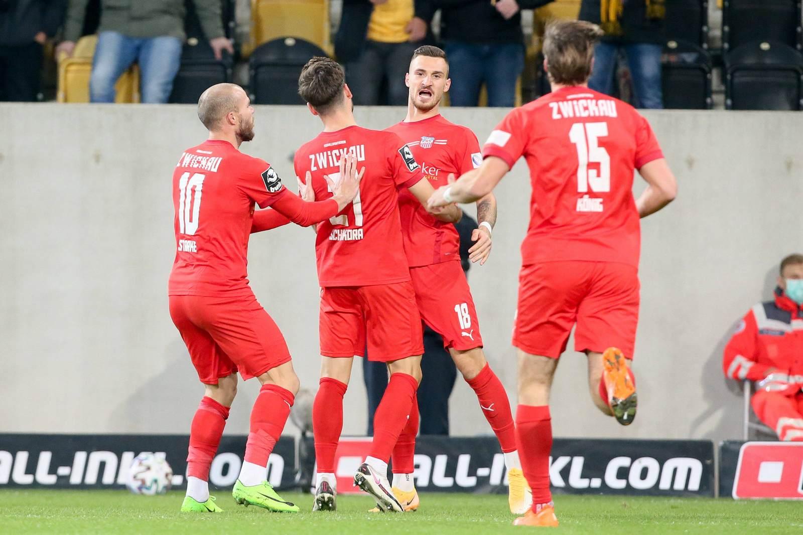 FSV Zwickau jubelt gegen Dynamo
