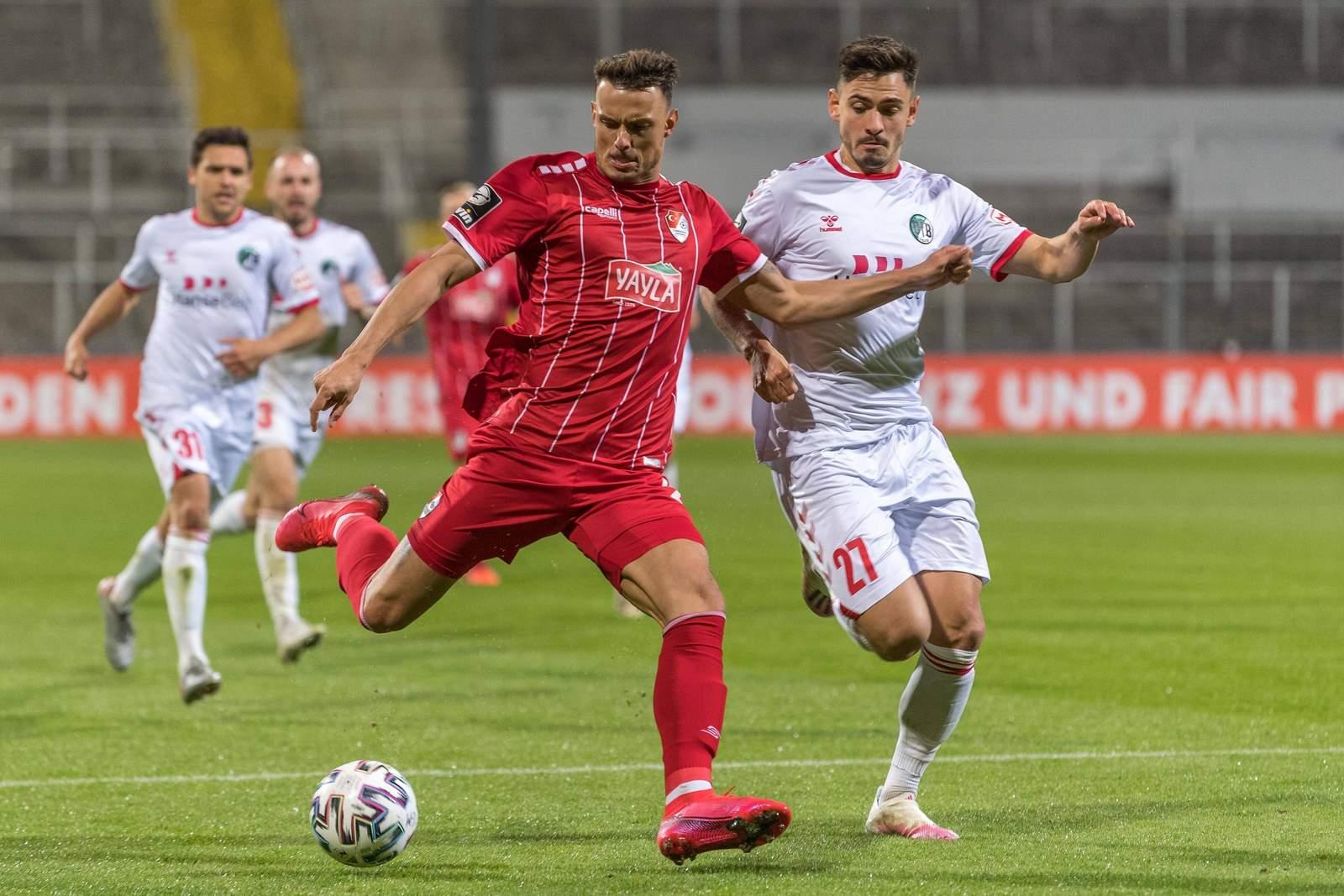 Petar Sliskovic gegen den VfB Lübeck.